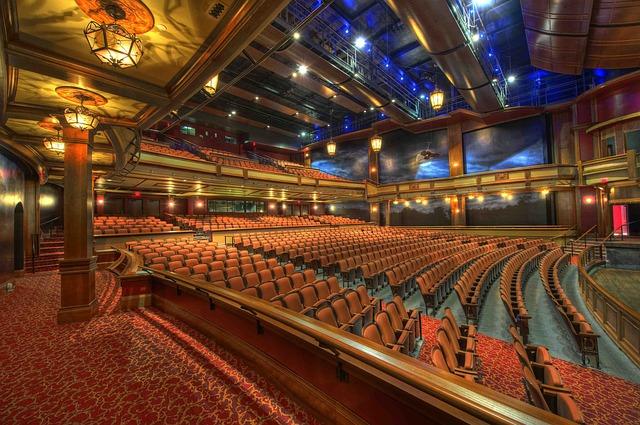 sál divadla